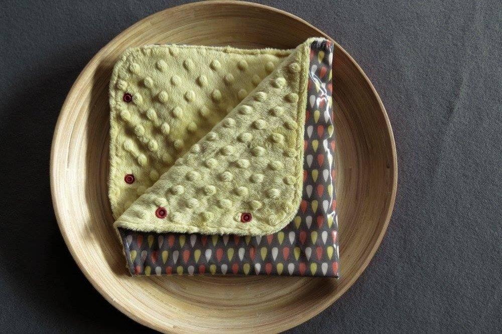 Manchon de poussette imperméable et chaud à gouttes couleur gris et jaune