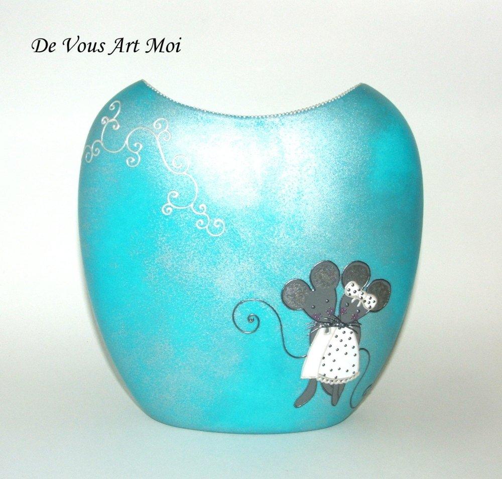 Vase en porcelaine,vase artisanal turquoise,peint à la main,fait main,couple de souris