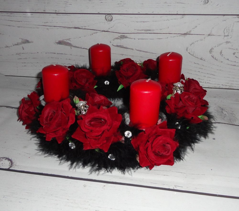 Couronne de l'Avent, centre de table festif avec bougies