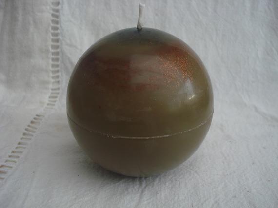 Bougie ronde marron, parfum chocolat de noël