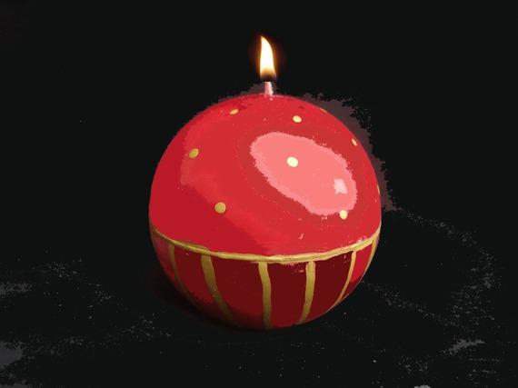 Bougie ronde rouge et dorée, parfum pain d'épices Noël