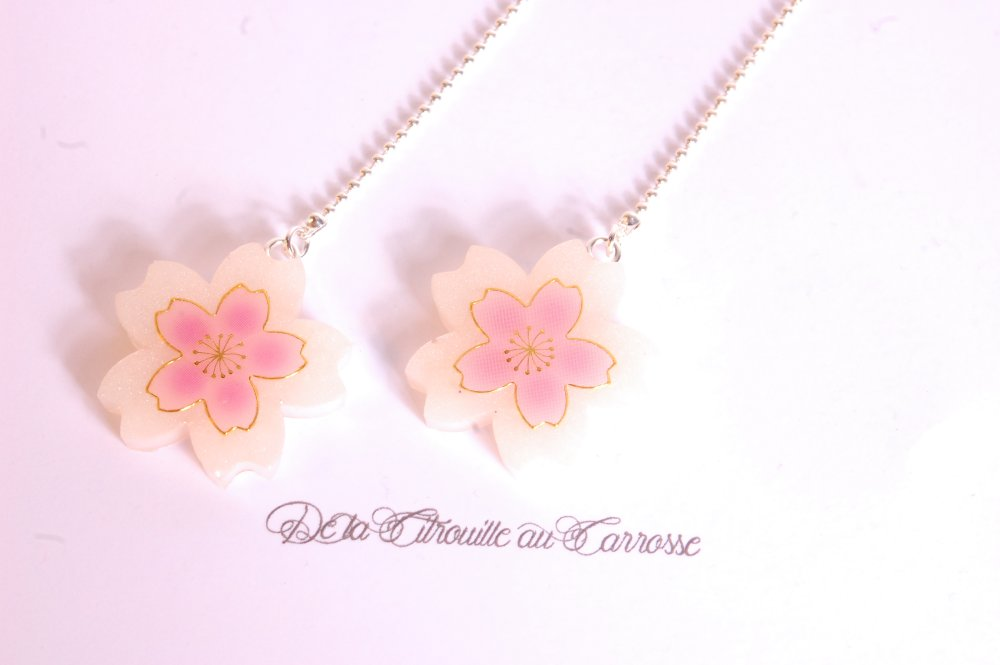 Boucles d'oreille fleur de cerisier blanche et rose