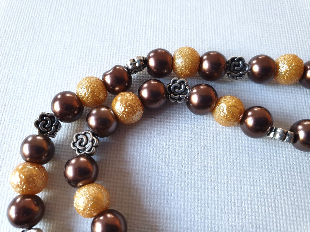 Collier perles marron chocolat café nacré, granitées dorées, perles fleurs métal argenté