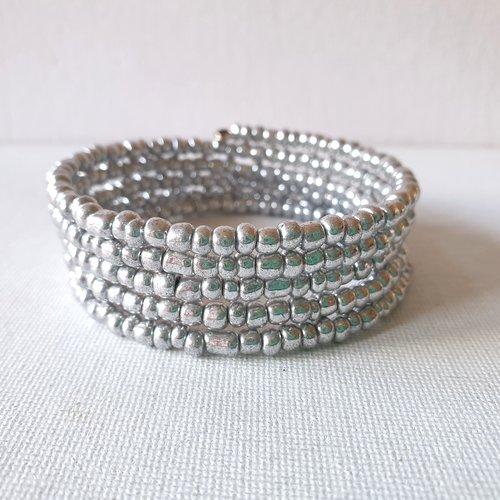 Bracelet ajustable perles rocaille en verre gris nacré sur 5 rangs