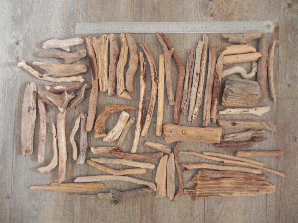 Lot de 56 bois flottés