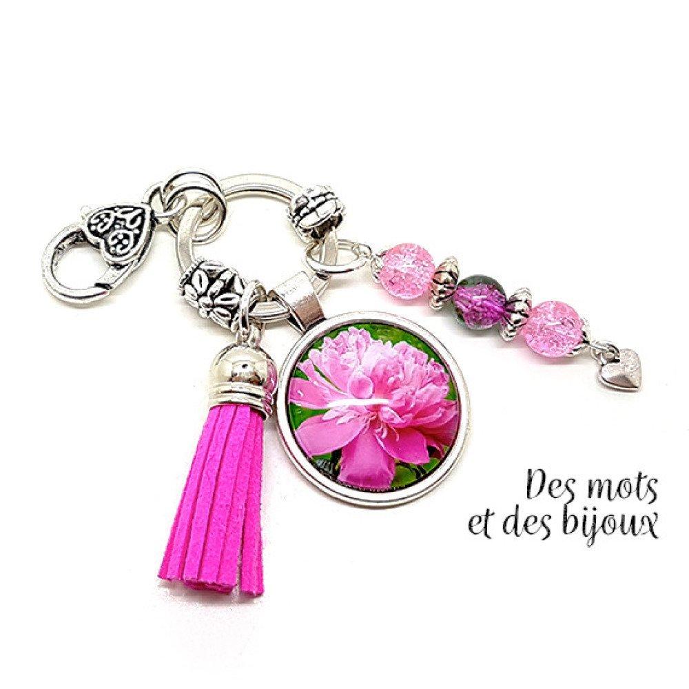 """Porte-clés Bijou de sac """"Pivoine"""" - Idée cadeau porte-clés métal argenté perles pompon suédine"""
