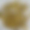 Lot de 30 gouttes en verre, jaunes, à facettes, 10 mm sur 8 mm.