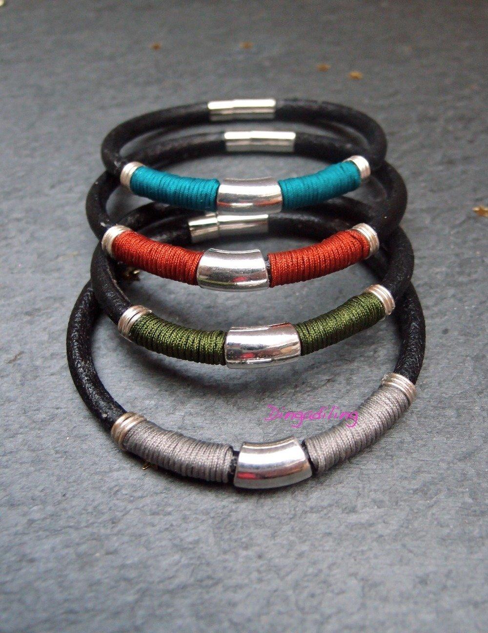 Bracelet Homme en cuir, fil bleu canard et tube argenté