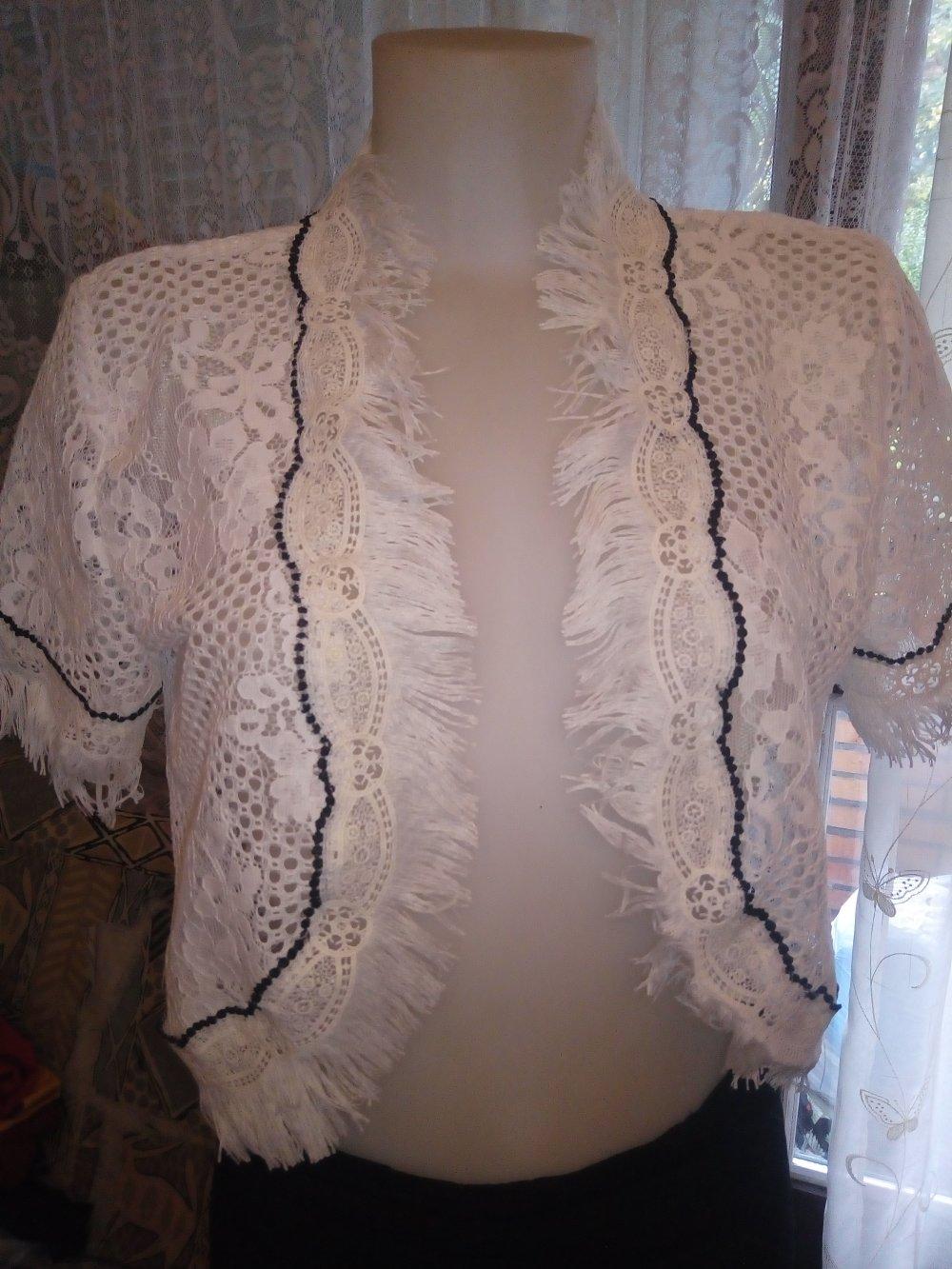 -Bolero en dentelle coton blanc petites manches taille 40/42