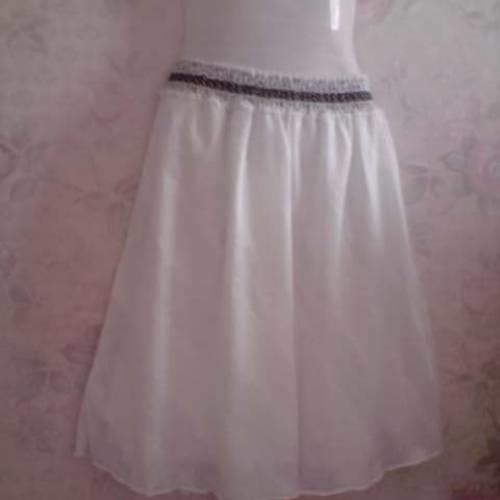 Jupe mi longue a godet en voile de coton blanc,centure elastiquée en dentelle