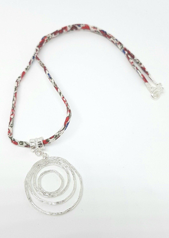 Collier liberty rouge cercles femme idée cadeau anniversaire fête