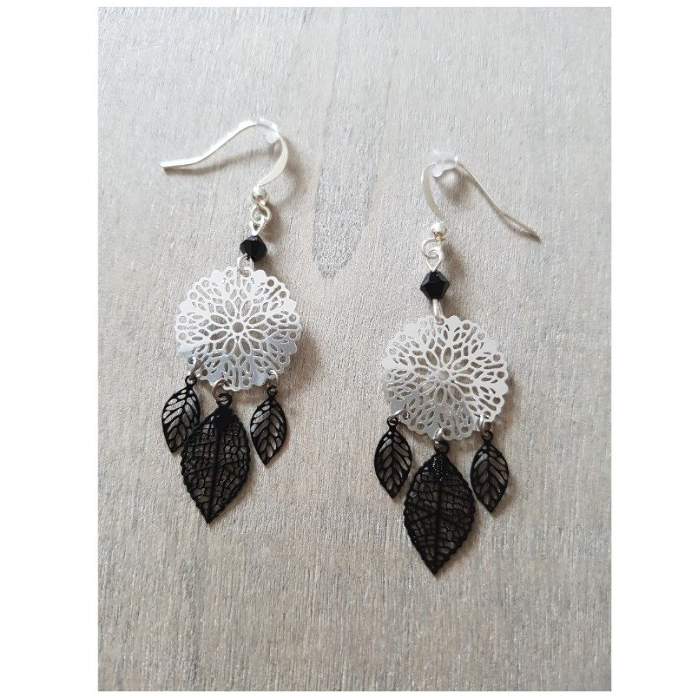 Boucles d'oreilles estampe noir et argenté - petites feuilles noir - attrape-reves -  idée cadeau anniversaire femme