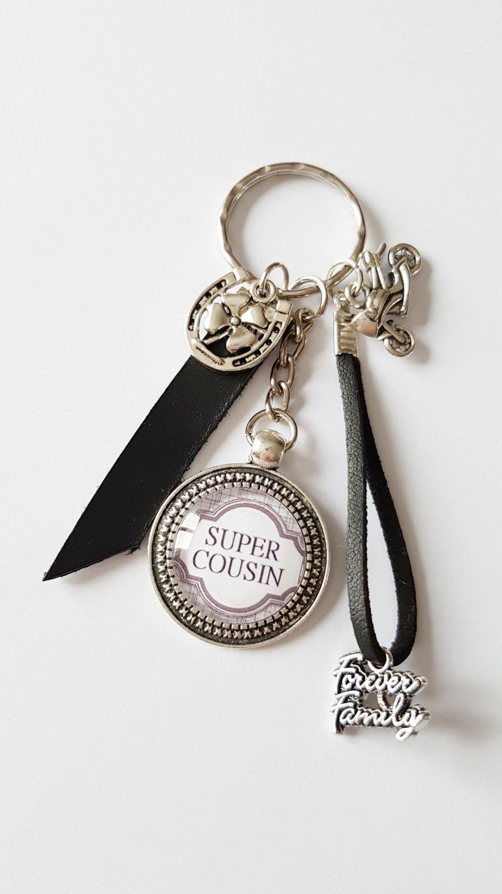 Porte-clef SUPER COUSIN moto/  Idée cadeau noël fête anniversaire