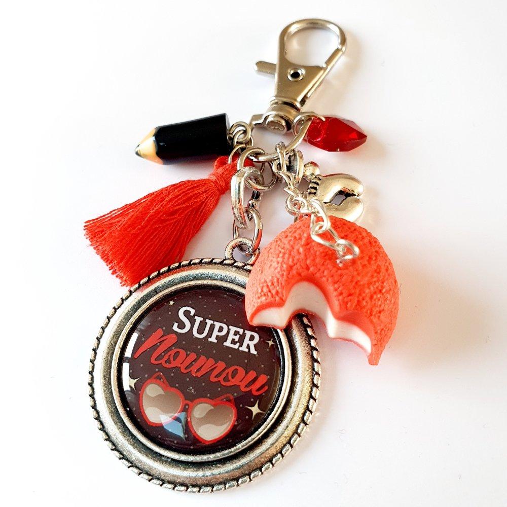 Porte-clef SUPER NOUNOU rouge et noir coeur tétine crayon bonbon fraise fimo Idée cadeau fin d'année assistante maternelle