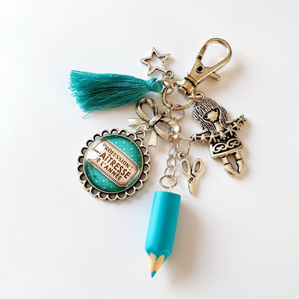 Porte-clef maîtresse de l'année pompon et breloque fillette bleu vert Idée cadeau fin d'année scolaire