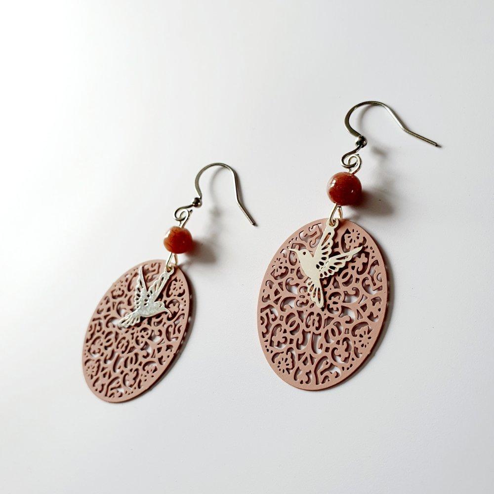 Boucles d'oreilles estampe rose et colibri argenté - idée cadeau anniversaire femme