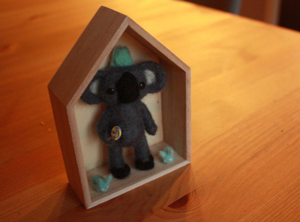 Sculpture en Laine Cardée  Koala Deco