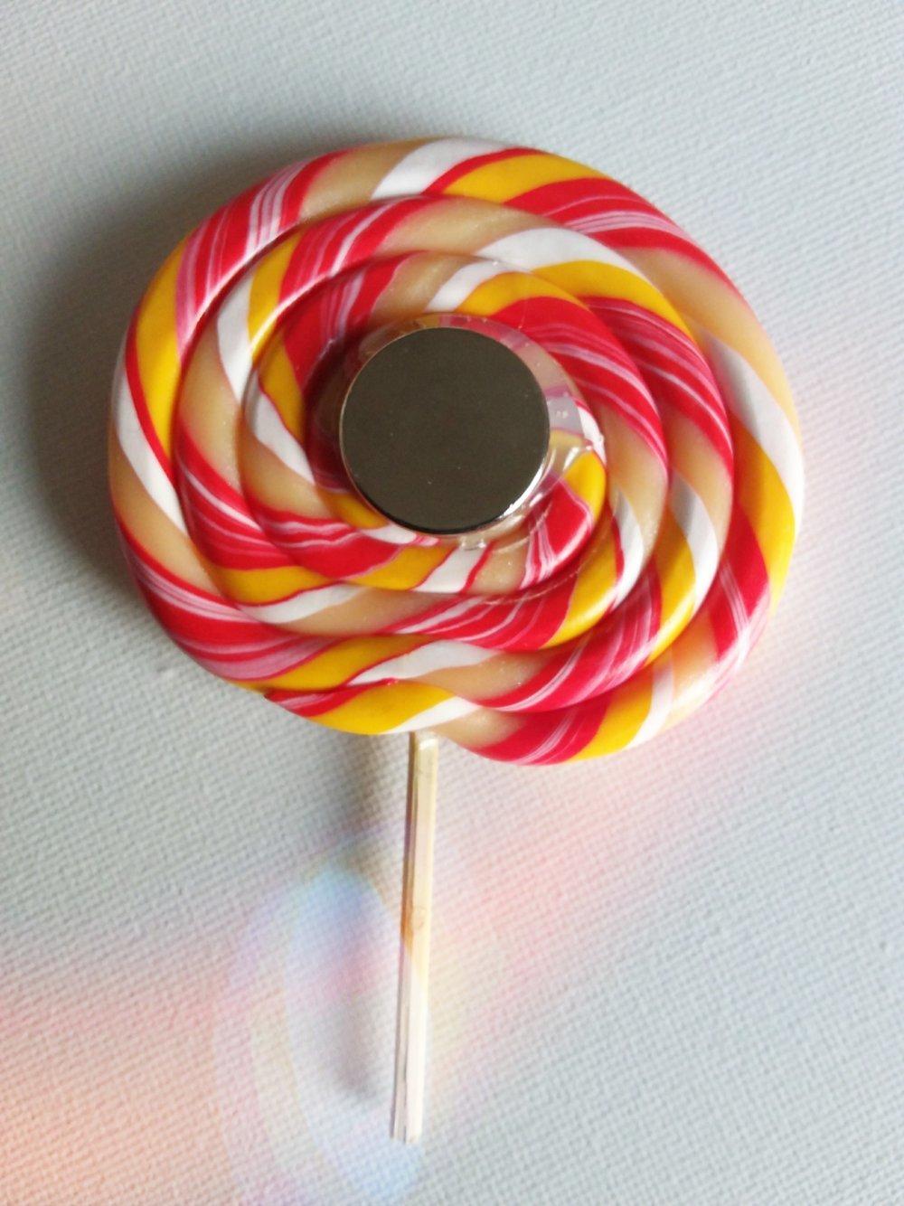 Joli magnet lollipop en fimo pour vos frigos