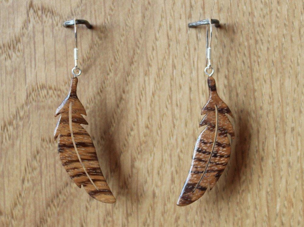 """Boucles d'oreilles """"Plumes"""" - bijoux en bois"""