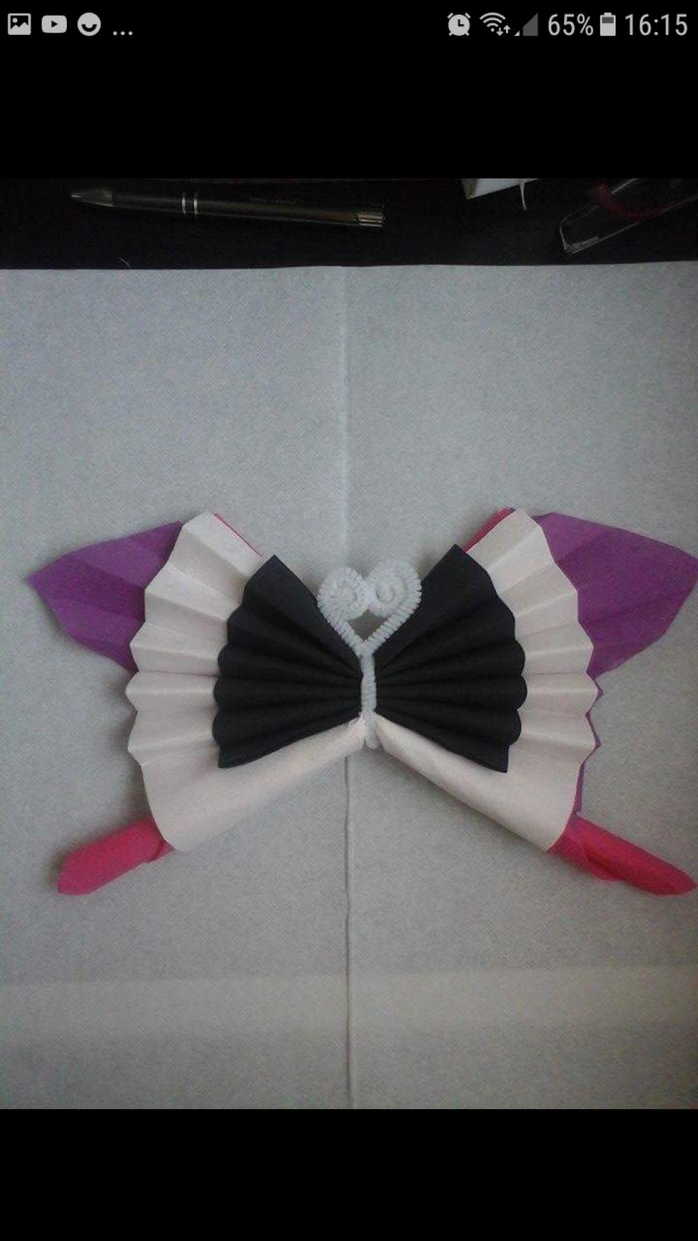 Pliage Serviette En Forme De Papillon Un Grand Marche
