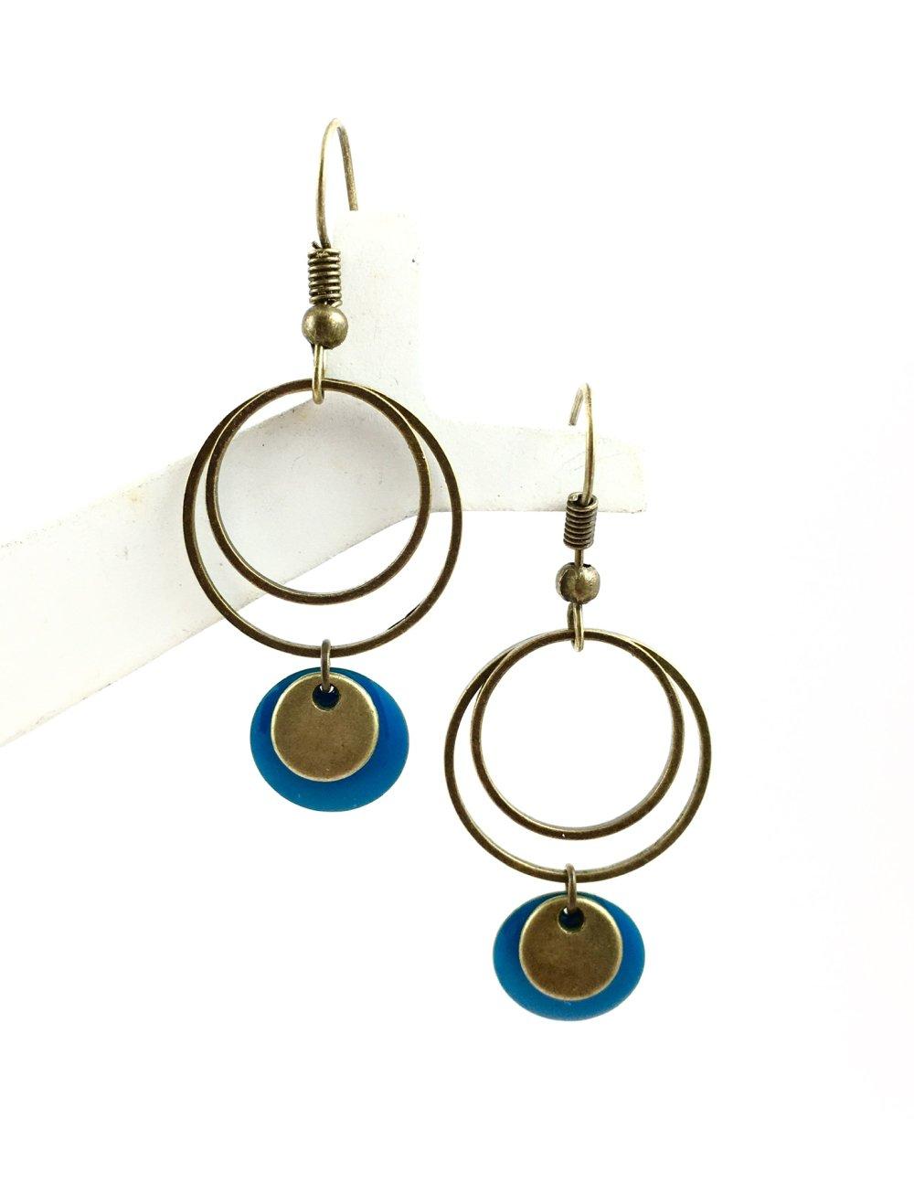 Boucles d'oreilles pendantes anneaux bronze, Sequin émaillé Bleu, bohème, chic, mariage, original, pendentif