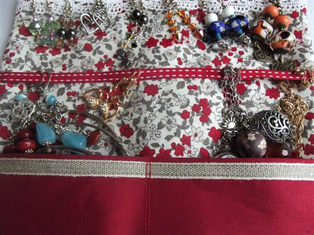 Trousse à bijoux de voyage, pochette de transport bijoux, st Valentin, lin, coton fleuri rouge - fait main