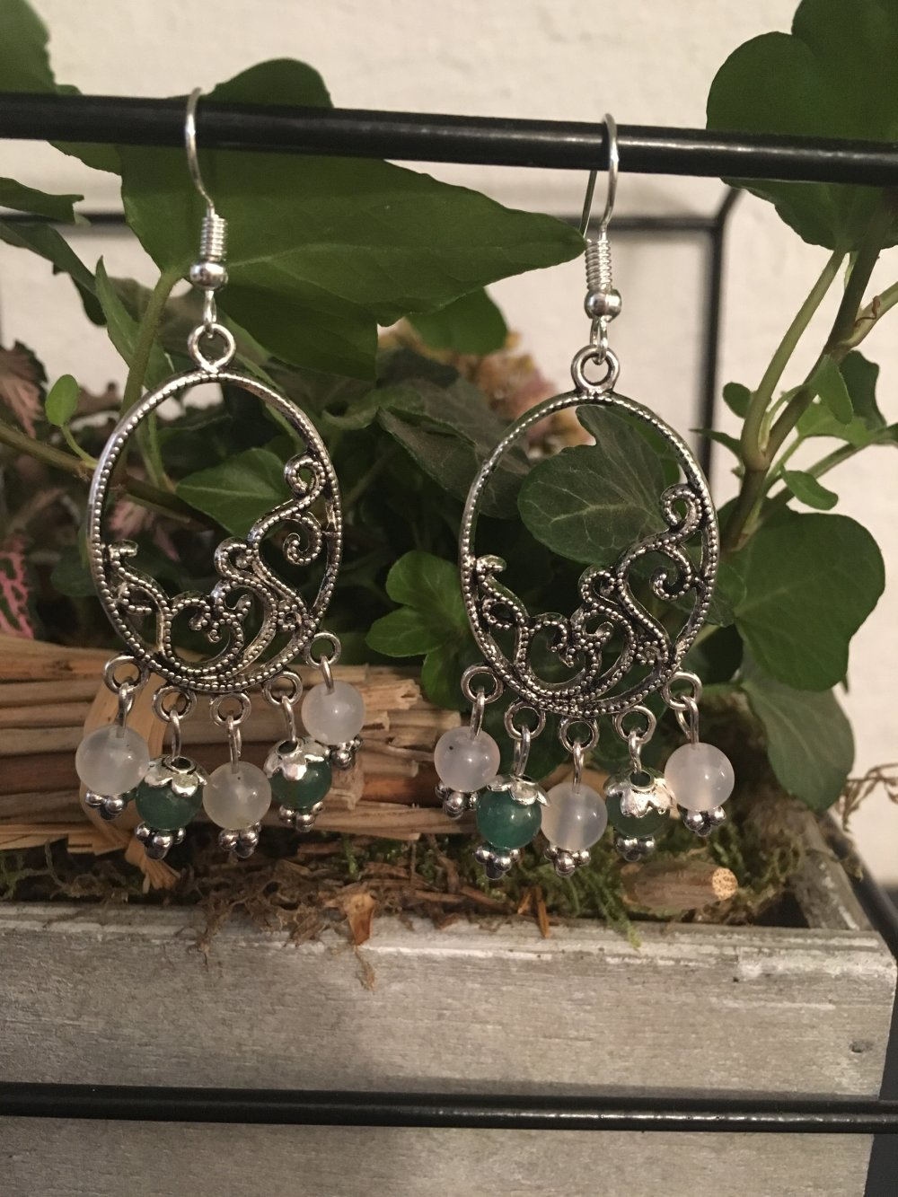 boucles d'oreilles pendantes, jade et aventurine