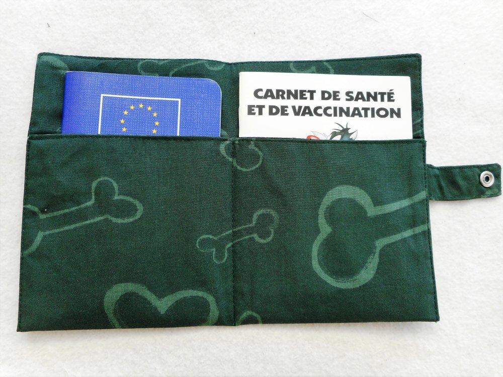 Couverture de Carnet de Santé pour Chien Os Vert Protège Carnet Etui Passeport pour Chien Nom Brodé