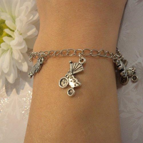 Bracelet fille / femme, chaîne argent, maille gourmette, bijou fantaisie moderne à breloques: grande soeur, future maman, naissance