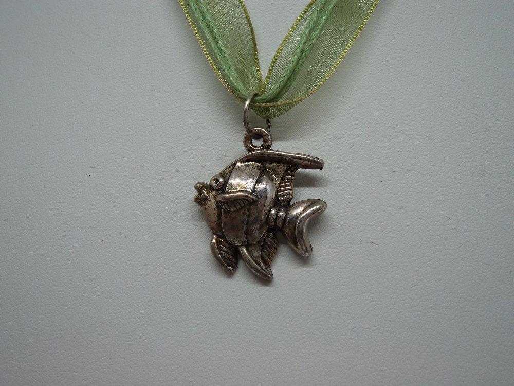 bijou fantaisie personnalisé collier et pendentif argent petit poisson tropical, idée cadeau anniversaire