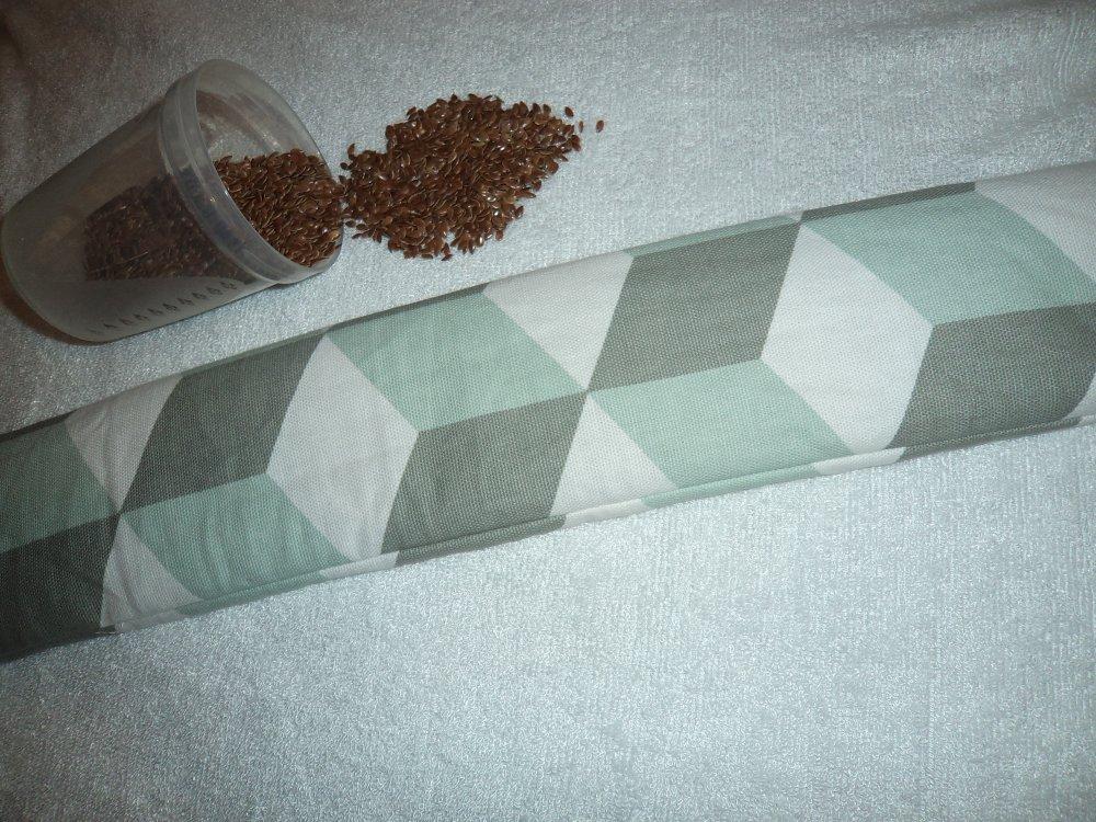 longue bouillotte sèche aux graines de lin bio, bouillotte cervicale, nuque antalgique, graphique blanc gris vert