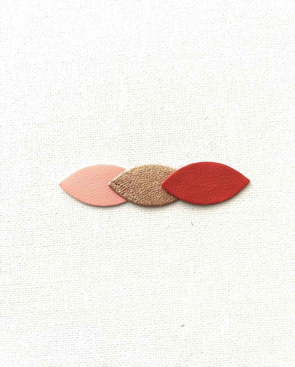Barrette pince à cheveux pétales de cuir rouge cuivré, or rosé, rose