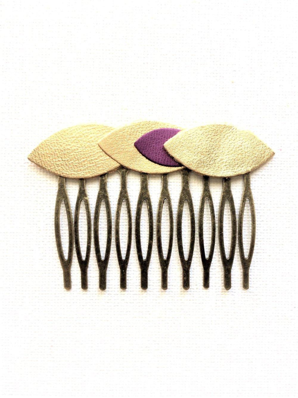 Peigne à cheveux pétales en cuir doré et violet