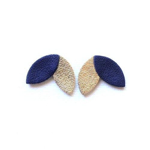 Boucles d'oreille, clou d'oreille, puce, pétales, de cuir, bleu foncé, doré, cadeau femme, minimaliste, chic, tendance, graphique, clou