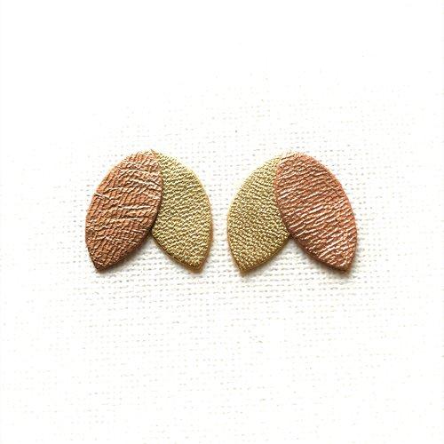 Boucles d'oreille, clou d'oreille, puce, pétales, de cuir, or rosé, doré, cadeau femme, minimaliste, chic, tendance, graphique, clou