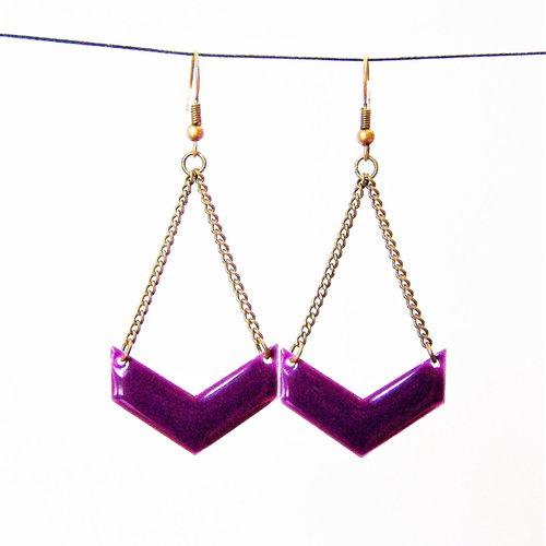 Boucles d'oreille, pendantes, chevron, émaillé, violet, losange, fantaisie, cadeau femme, mode, tendance, graphique, discrète