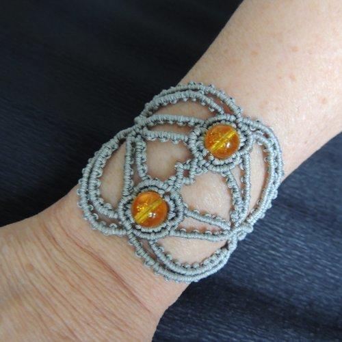 Bracelet manchette en macramé gris et citrine jaune