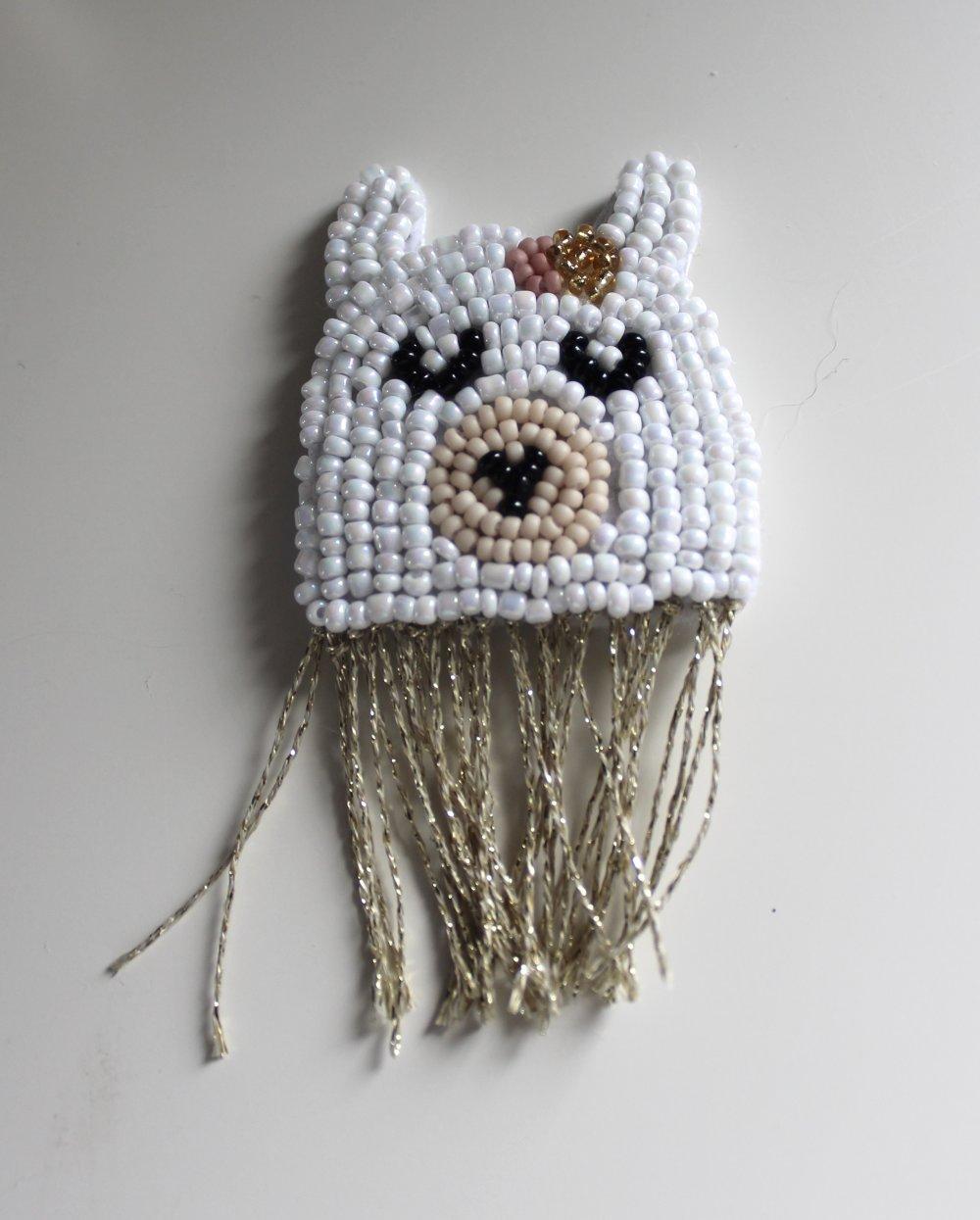 Barrette lama or en perles brodées
