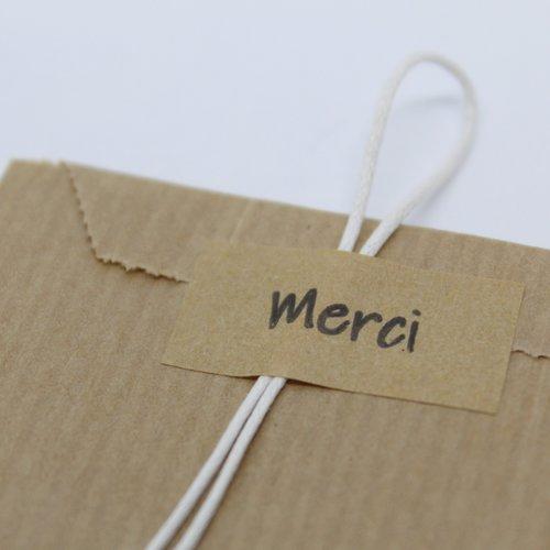 """90 étiquettes autocollantes """"merci"""""""