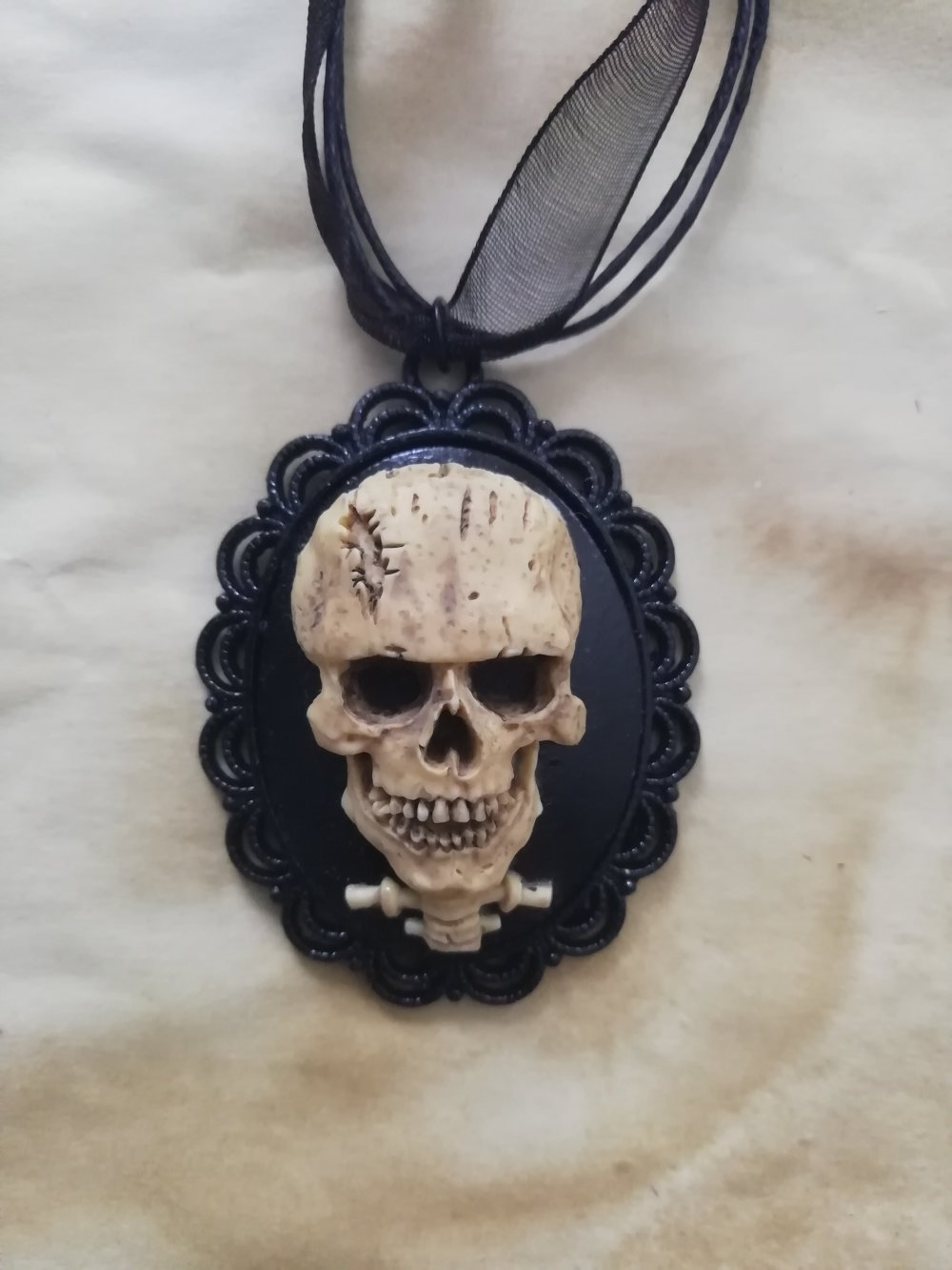 Collier Skull ?