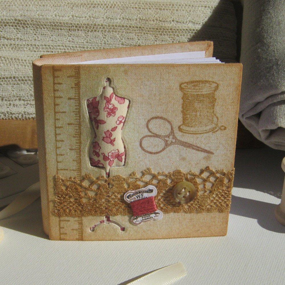 """Petit carnet carré - Modèle """"Couture - Fleuri rose"""""""