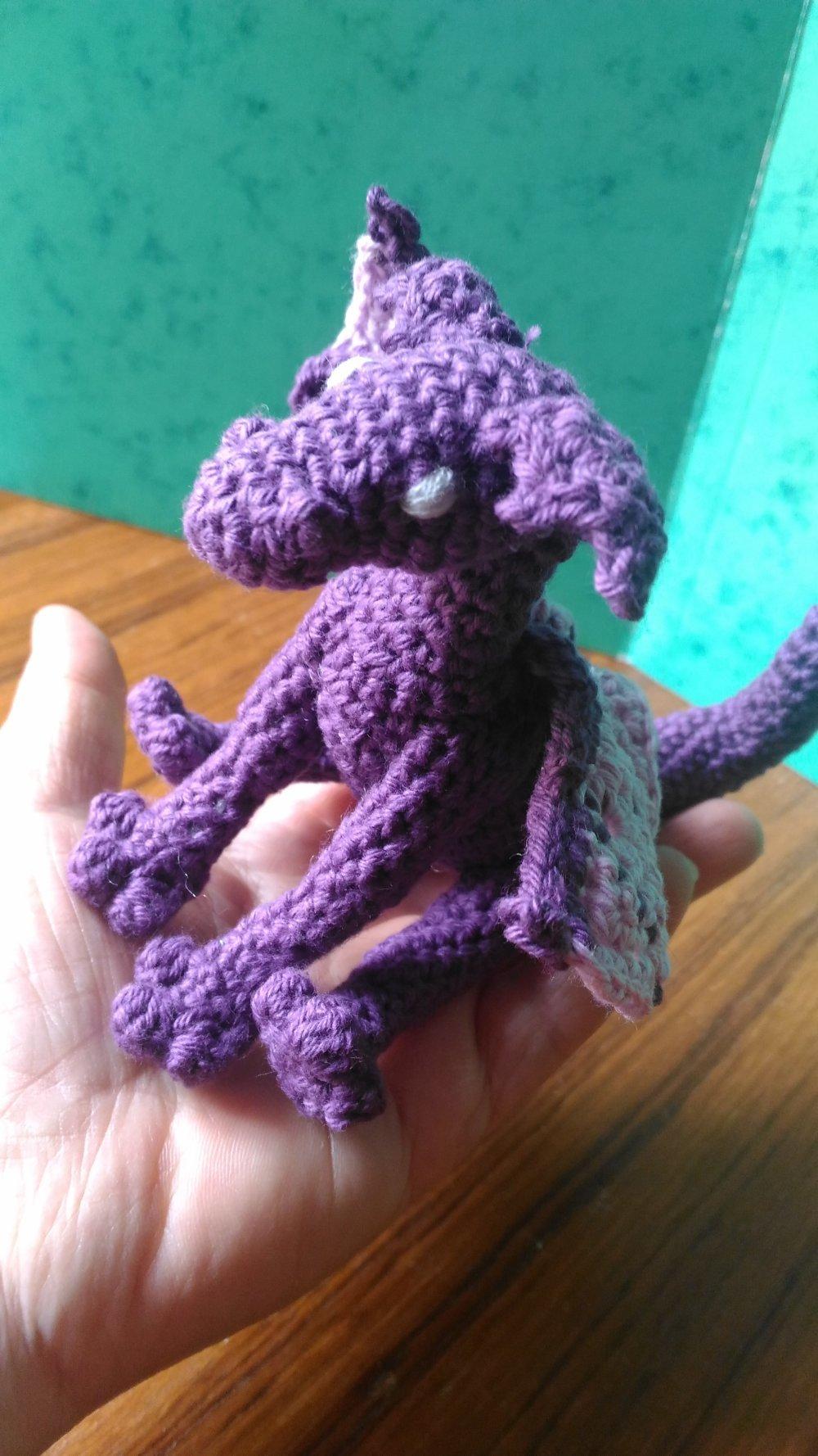 Bébé dragon au crochet , peluche dragon , amigurumi, fantasy ... | 1778x1000