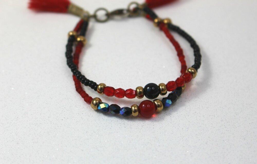 bracelet rouge pompon/ bracelet perles / bracelet d'amitié / bracelet boho/ bracelet hippie/ cadeau femme/ bracelet version 2