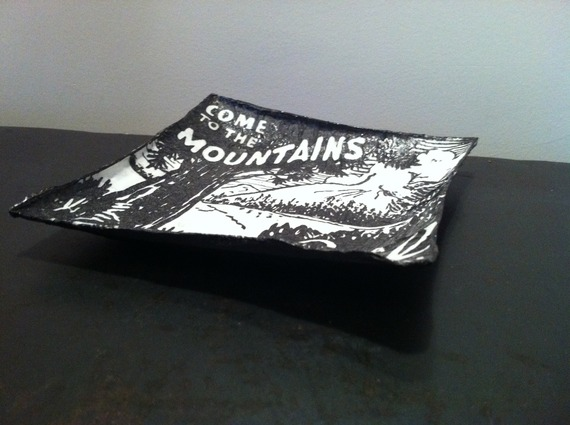 """Coupelle carrée en papier maché - Fait main - Décor publicité vintage américaine """"come to the mountains"""