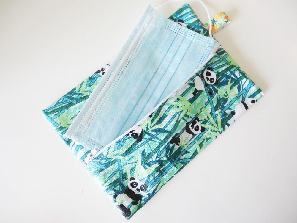 Pochette plate en coton enduit imprimé panda pour ranger des lingettes démaquillantes, des masques