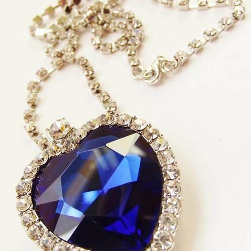 1 breloque 4 cm cœur bleu + chaîne strass argenté