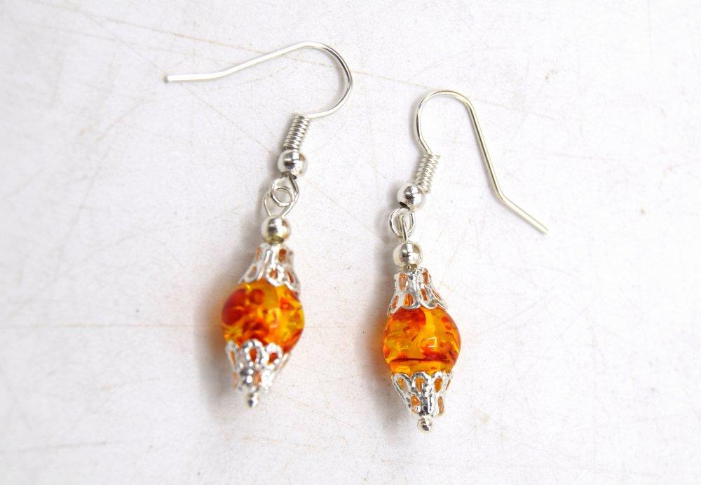 Boucles d'oreilles Victorienne perle nacrée ambré (résine synthétique)
