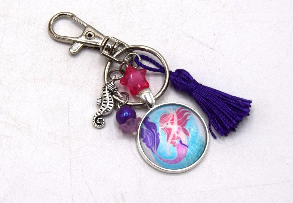Porte clé Sirène avec son hippocampe & étoile violet, décoration sac à main, bijoux cabochon pompon.