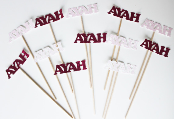"""12 mini brochettes """"prénom"""" en papier pailleté -rose-fuchsia"""