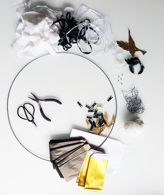 Noël : kit Calendrier de l'avent -attrape rêve - noir or et blanc à remplir - plumes